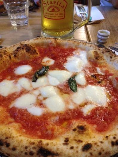 Pizza Margherita Starita (Milano)